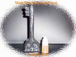 Bougie Clé magique du succès noir avec son huile